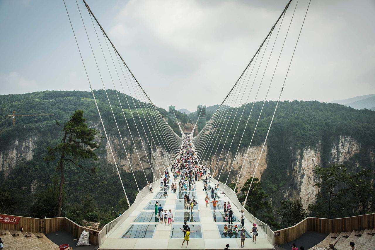 22 августа в Китае открыли самый длинный стеклянный мост!