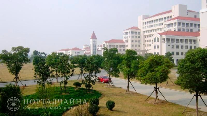Международная школа гостиничного менеджмента в Шанхае / Les Roches Jin Jiang International Hotel Management College (Shanghai)